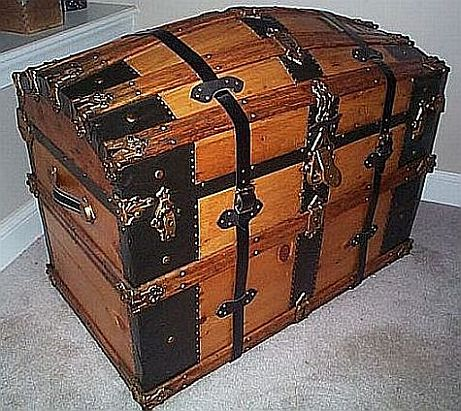 this old trunk is an Antique Trunk #262