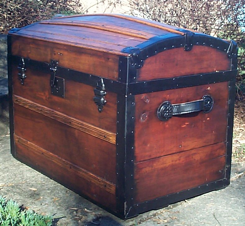 610 Restored Antique Dome Top Trunk For Sale Available 540