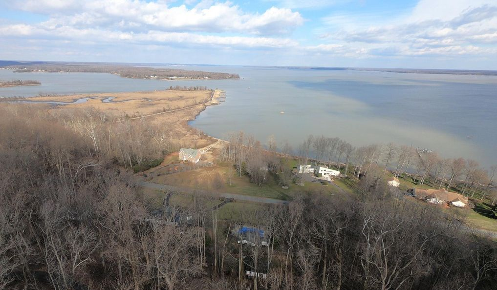 Wide Panoramic View of Potomac Rive, Aquia Creek, Brents Point, and Aquia Landing Park waterfront home for sale by owner thorny point, stafford va 22554