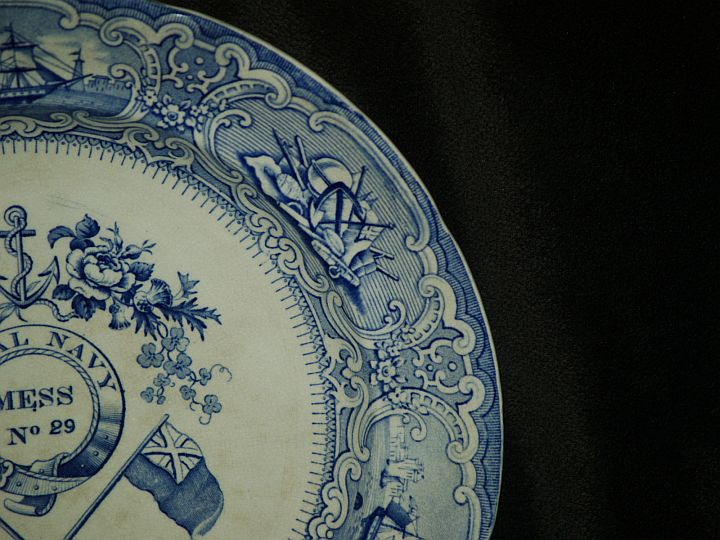 british royal navy mess plate with Roses, Thistle, Clover, Flags and Anchor pattern