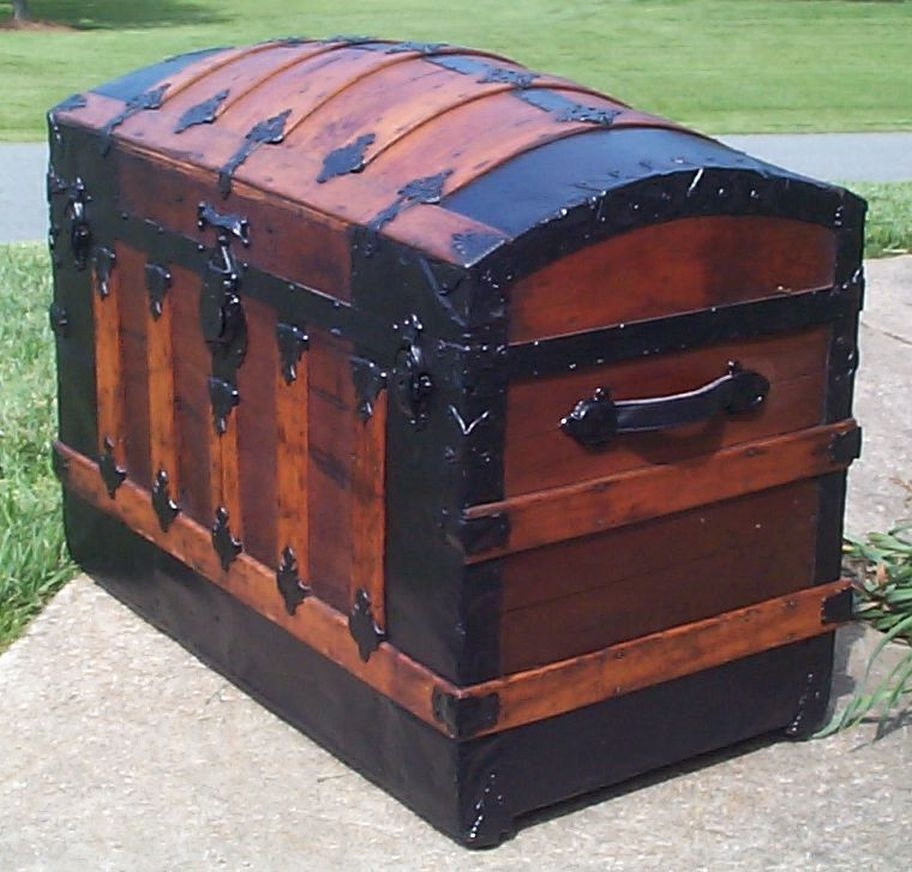 651 Restored Antique Trunks For Sale Dome Tops Humpbacks