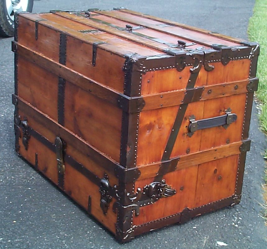 669 Restored Antique Trunks For Sale Dome Tops Humpbacks